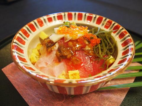 ブッフェ 琉美丼