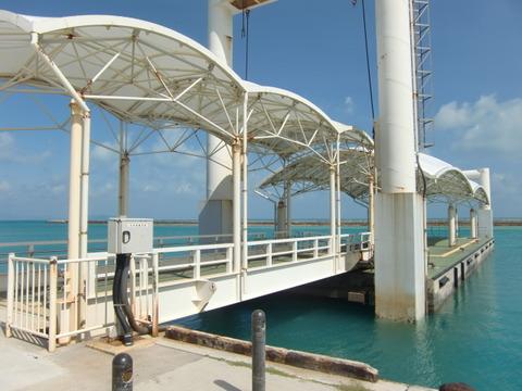 小浜港の桟橋